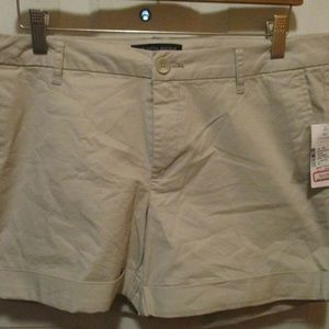 SAKS FIFTH AVENUE WOMENS SHORTS SZ 10 NEW WITH TAG